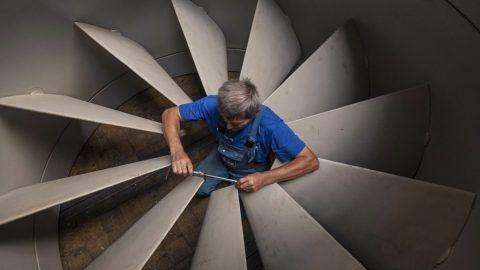 turbina (szerelő, munkás, turbina, atomerőmű, szivattyú,)