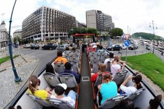 turisták budapesten (turista, turistabusz, )