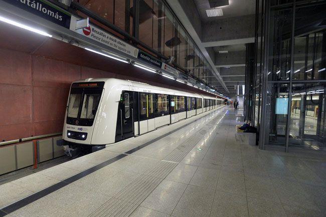 4-es-metro(1)(210x140).jpg (4-s metró)