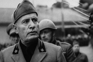 Benito Mussolini (Array)