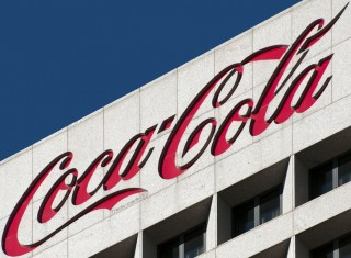coca cola (coca cola)