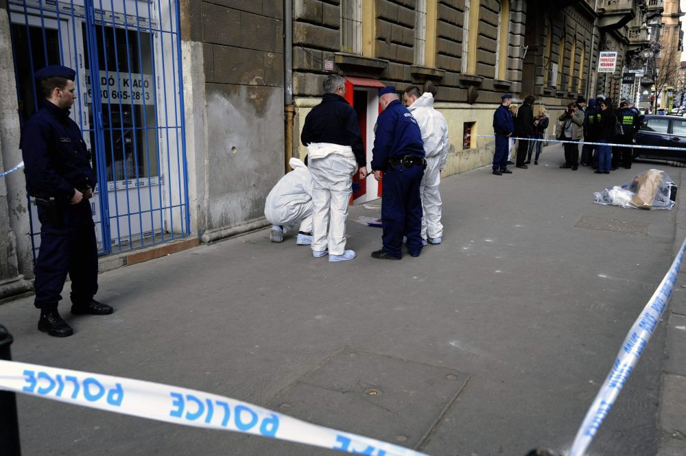 Gyilkosság a Népszínház utcában (gyilkosság, )