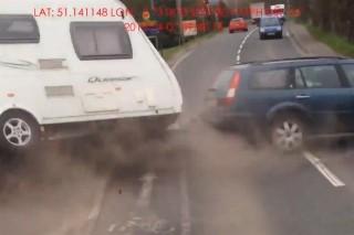 Lakokocsis-baleset(960x640).jpg (baleset, lakókocsi, )