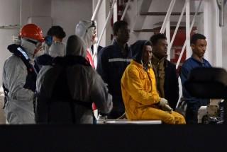 Libiai-menekultek(960x640).jpg (menekült, manekülthajó,)
