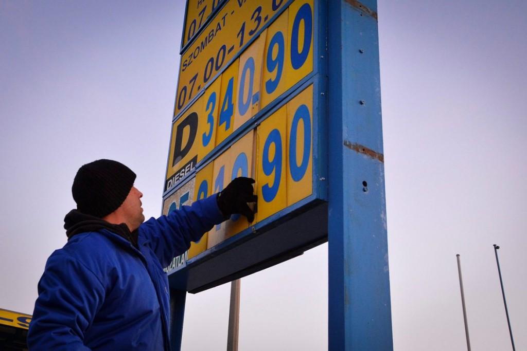 benzinkut(960x640).jpg (tankolás, benzinkút, üzemanyagár, )