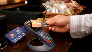 érintés nélküli fizetés (érintőkártya, bankkártya, érintés nélküli, egyérintéses, paypass,)