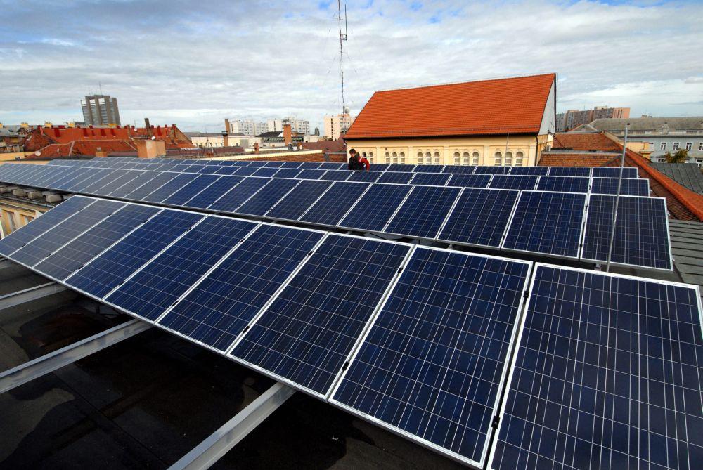 napelem (napelem, napenergia, megújuló, tető, )
