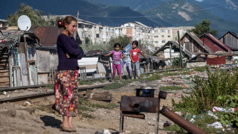 szegénység (szegénység, gyerek szegénység, éhezés, lakhatás, megélhetési problémák, szegény)