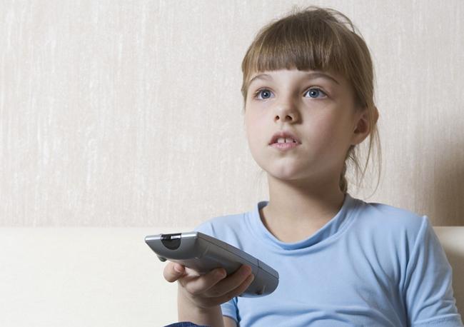 tn-tv01 (technet, nmhh, gyerek, szülő, fenyegetés, védelem, tévé, tv)