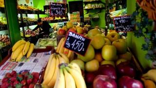 zöldséges (zöldséges, zöldség, gyümülcs, áru, piac, nyitvatartás,)