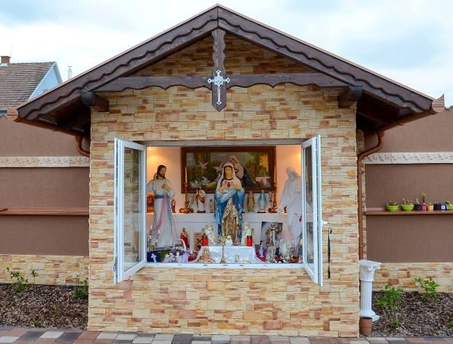 Győzike kápolnája (Array)