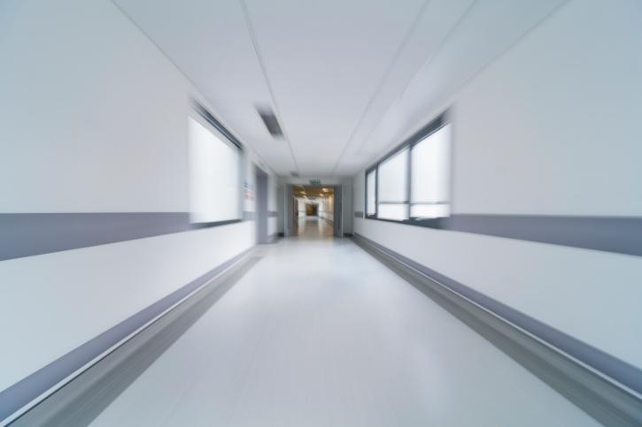 Korhaz-folyoso(960x640).jpg (kórház, folyosó, )