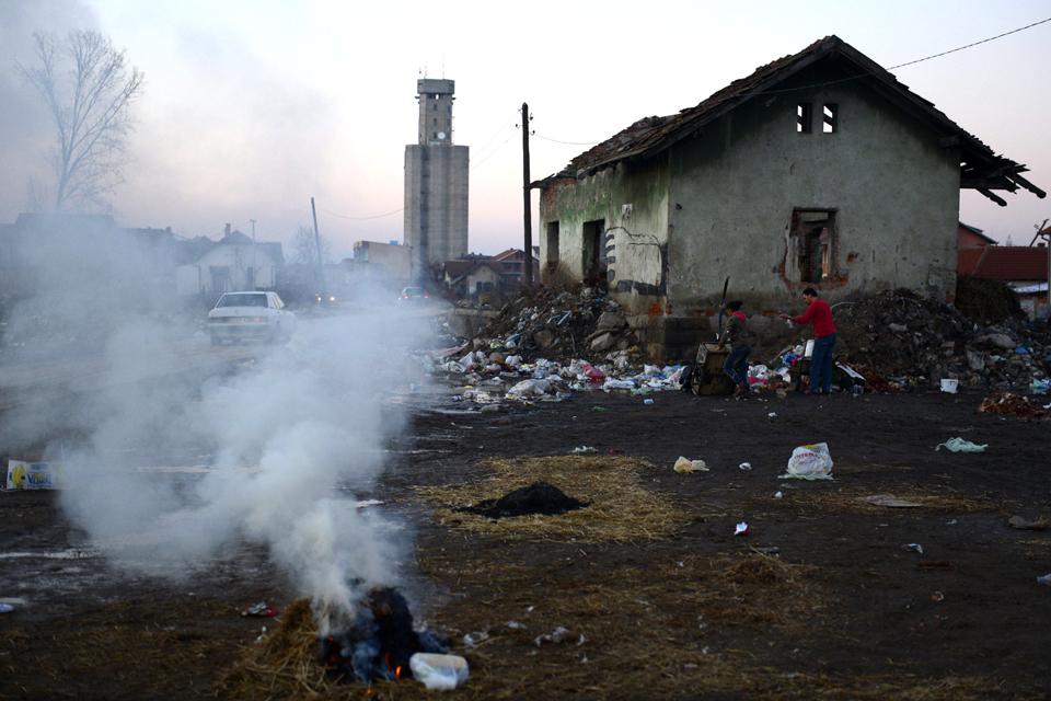 Koszovó életkép, nyomor (Array)