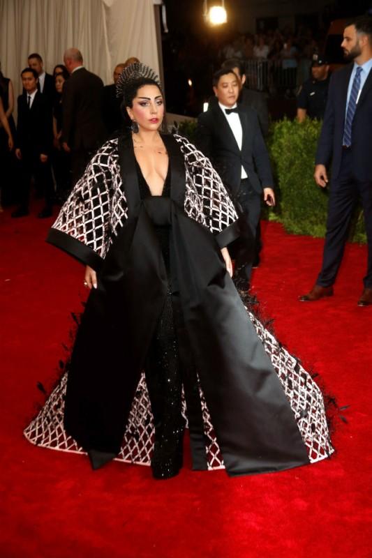 Lady Gaga (Array)