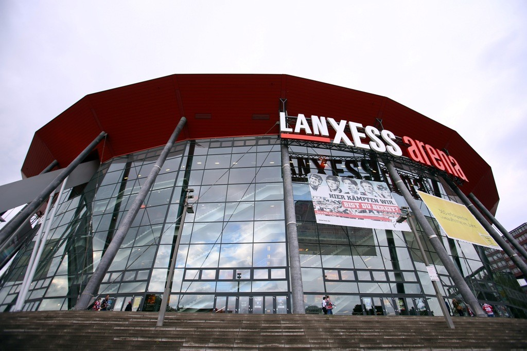 Lanxess Aréna (Array)
