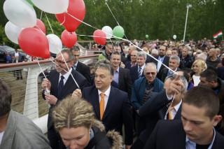 Orbán Viktor Baján (Array)