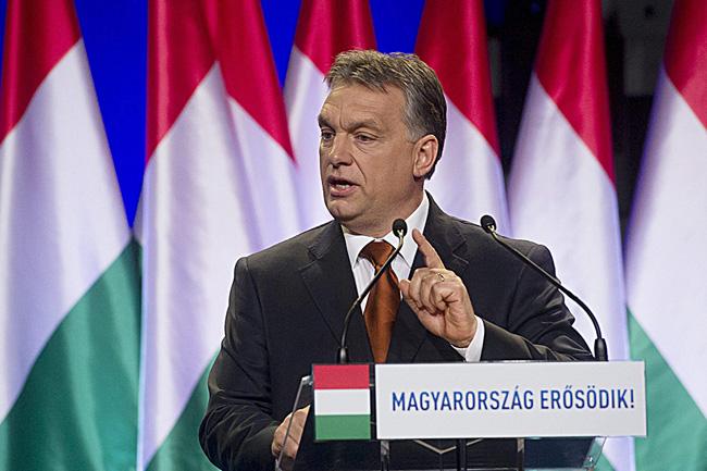 Orbán Viktor évértékelő (Array)