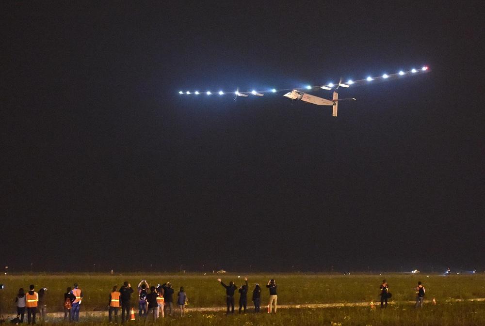 Solar Impulse 2 (Array)