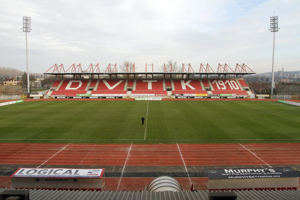 diósgyőri stadion (Array)