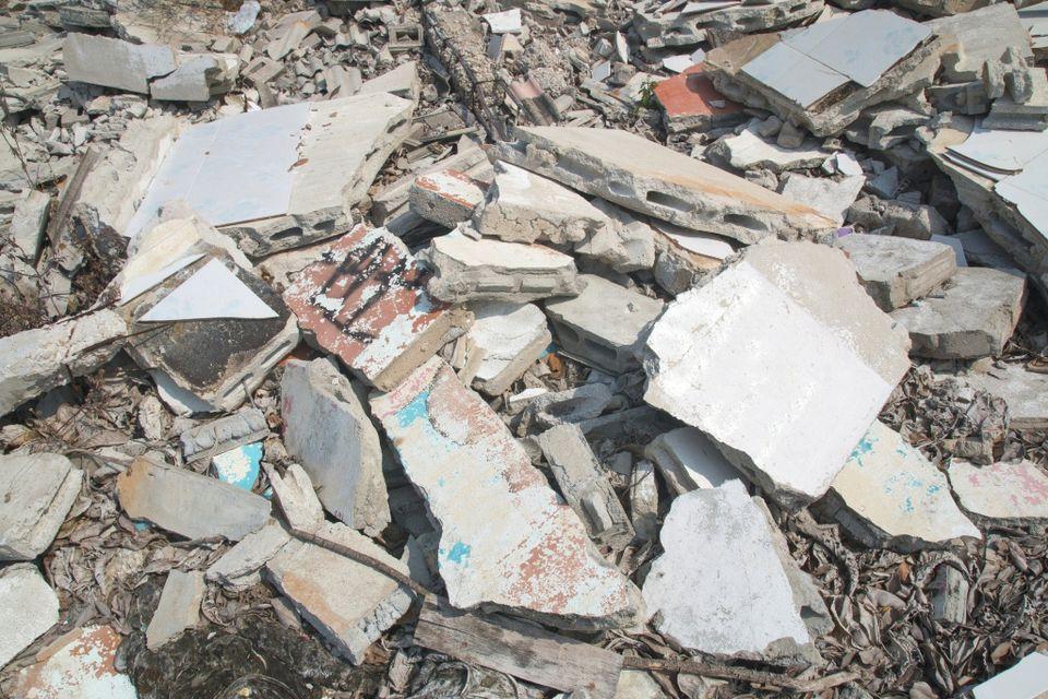 építési törmelék (Array)