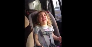 gyerekhiszti a kocsiban (Array)