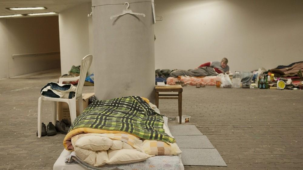 hajléktalan (Array)