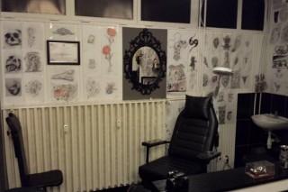 illegalis-tetovaloszalo(960x640).jpg (Array)