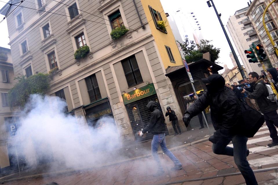 milánói expó tüntetés 2 (Array)