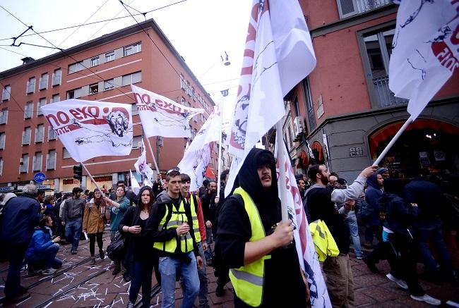 milánói expó tüntetés (Array)