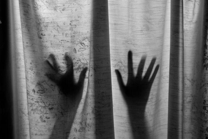 nemi erőszak (Array)