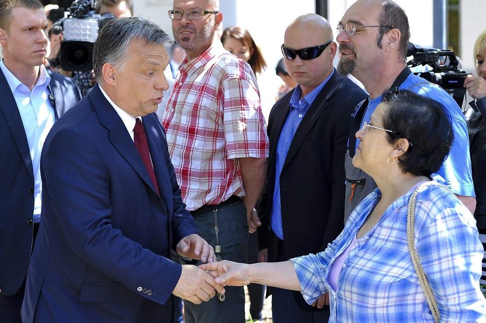 orbán debrecen (Array)