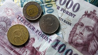 penz-forint-euro-frank-deviza-penzugy-gazdasag(6)(210x140).jpg (Array)