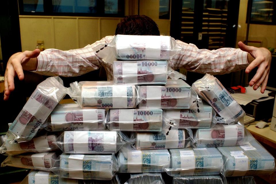 pénzköteg (Array)