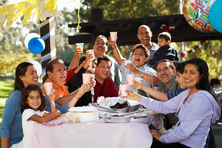 szülinapi buli Fekáliaeső borította be a születésnapi bulit | 24.hu szülinapi buli