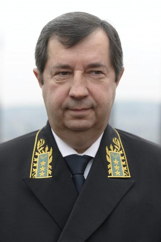 vlagyimir nyikolajevics szergejev (Array)