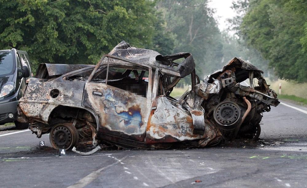 37-es út baleset (Array)
