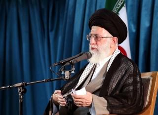 Ali Hamenei ajatolláh (Array)