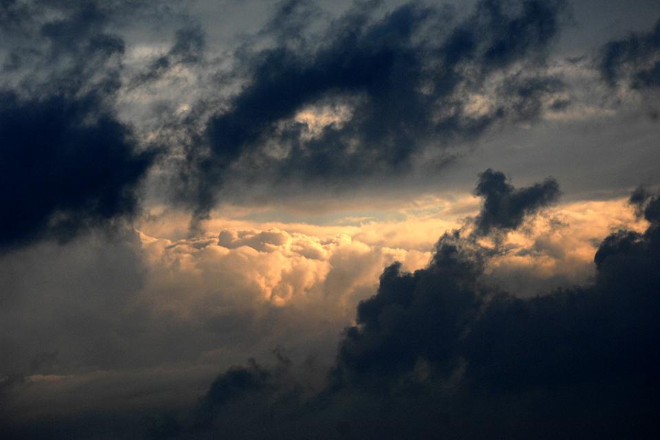 Balaton, vihar (Array)