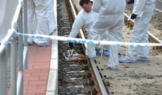 Bűnügyi helyszínelők, halálra vert férfi, villamos megálló (Array)