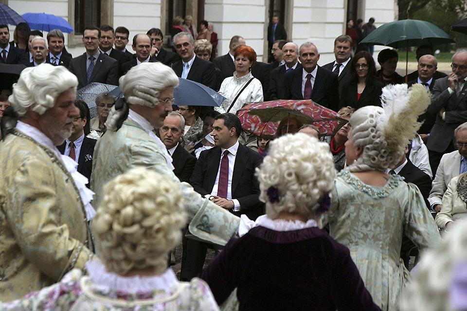 Esterházy-kastély, Fertőd, Lázár János,  Esterházy Antal herceg (Array)