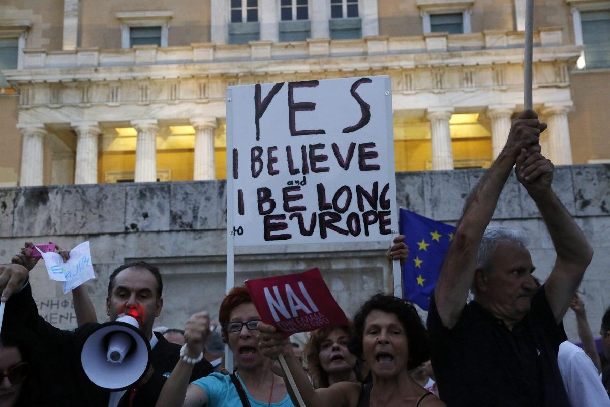 Görög tüntetés (Array)