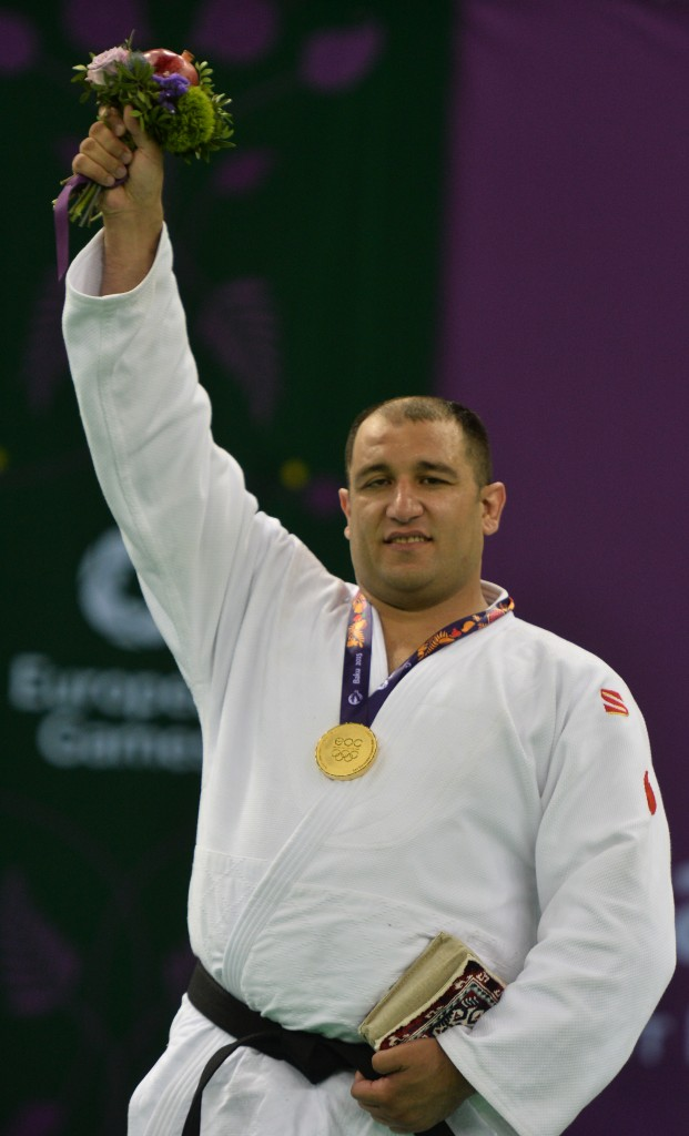 Ilham Zakiev (Array)