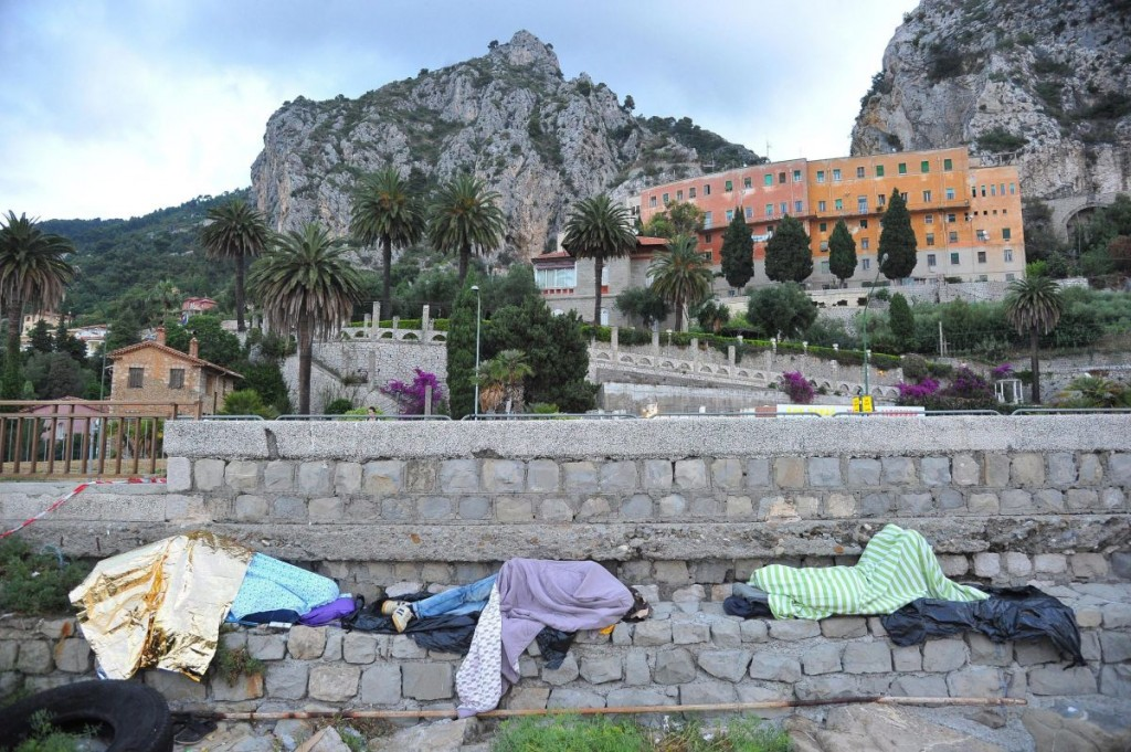 Illegális bevándorlók Olaszországban (Array)