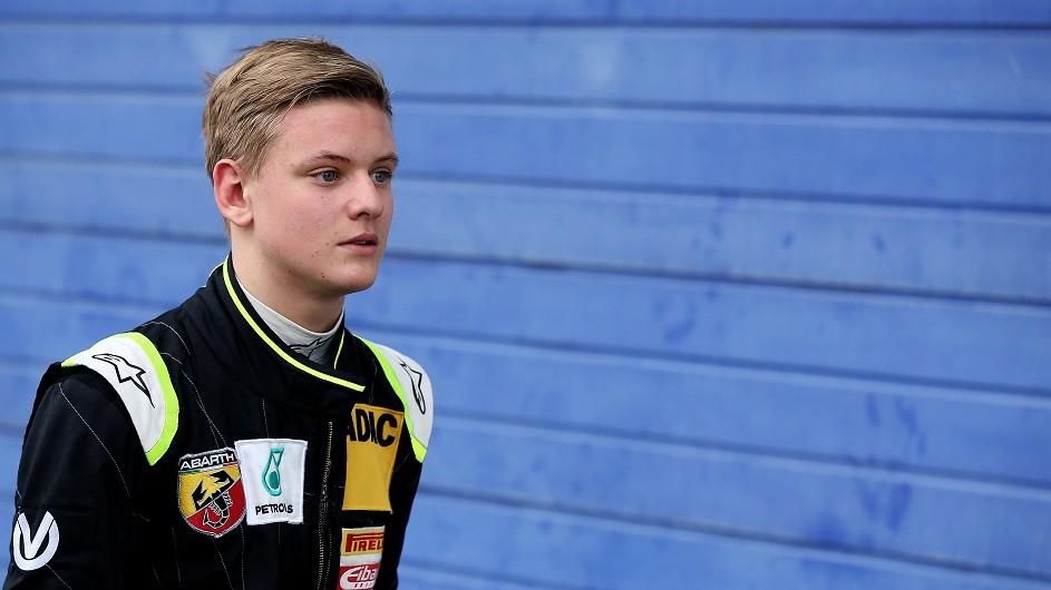 Mick Schumacher (Array)