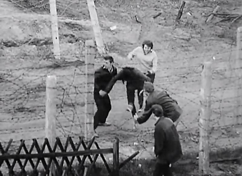 Nincs kerítés, ami, menekült, határzár 01 (Array)