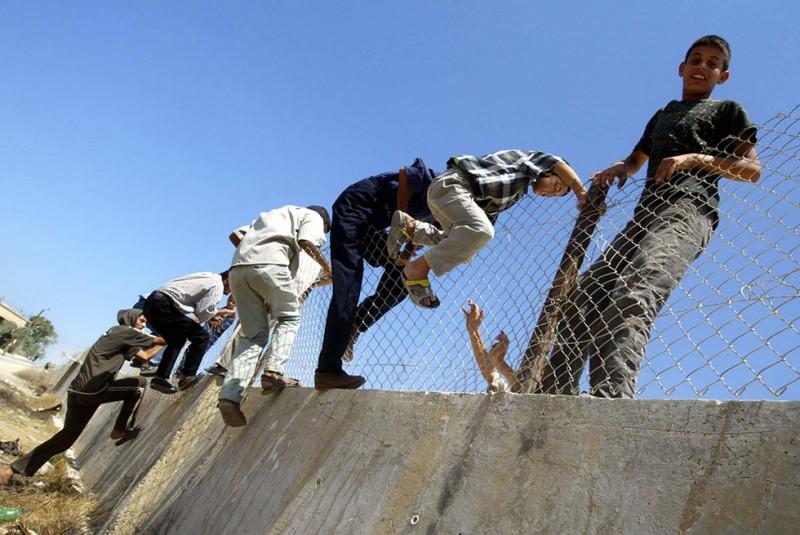 Nincs kerítés, ami, menekült, határzár 03 (Array)