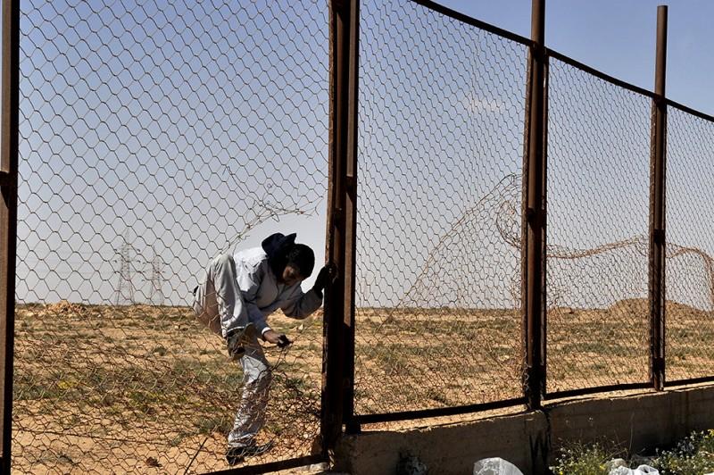 Nincs kerítés, ami, menekült, határzár 07 (Array)