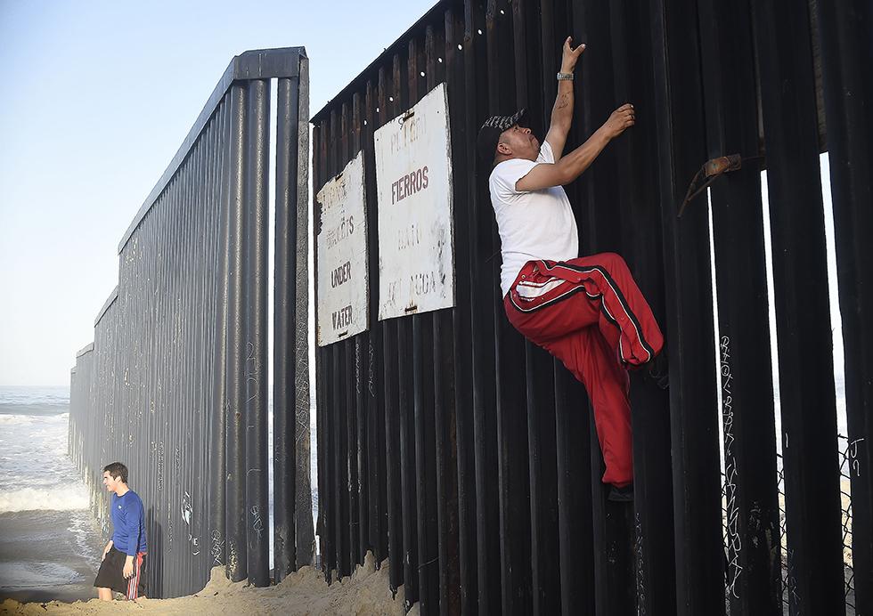 Nincs kerítés, ami, menekült, határzár 09 (Array)