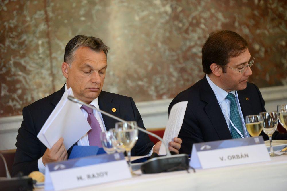 Orbán Brüsszelben (Array)