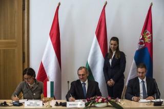 Osztrák, magyar és szerb belügyminiszter (Array)